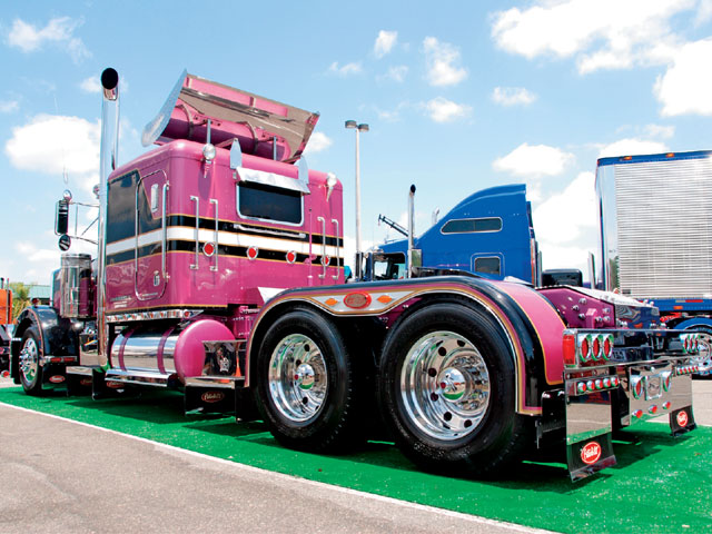 custom trucks show. Black Bedroom Furniture Sets. Home Design Ideas