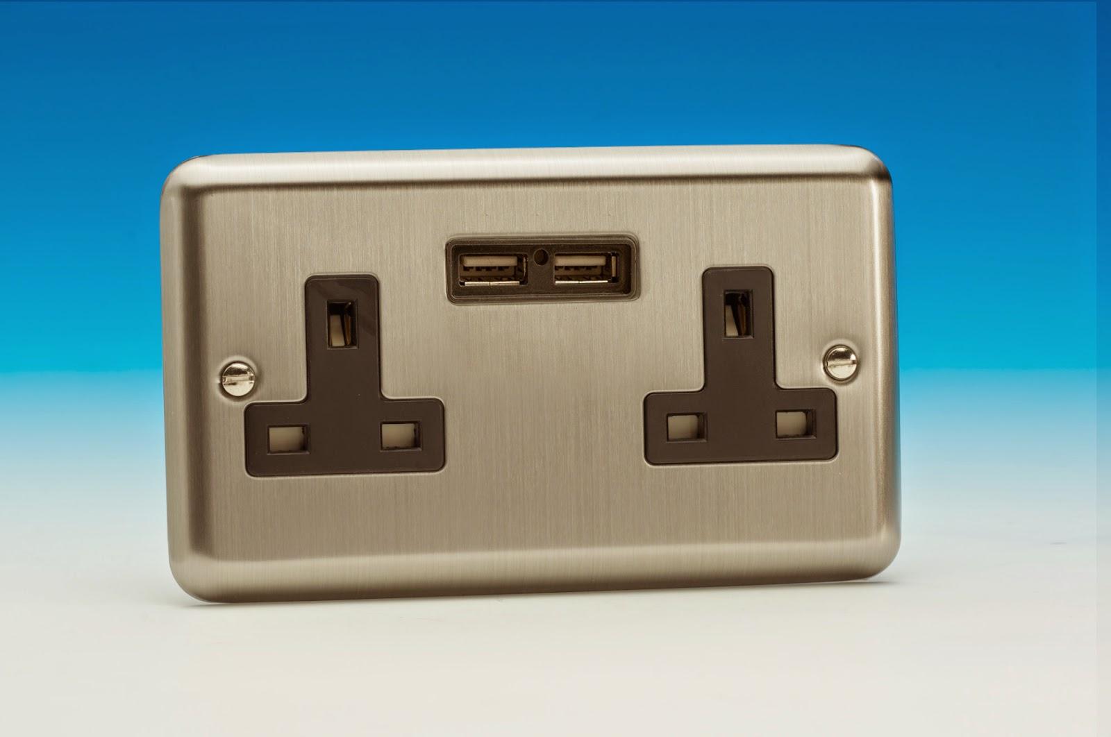 Varilight USB Charging Socket in Matt Chrome