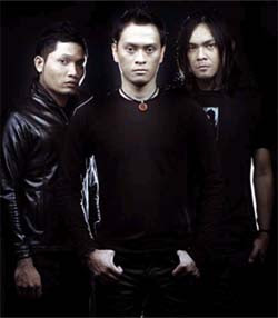 Andra And The Backbone - Alibi