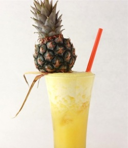 traditional american cocktail with pineapple and rum