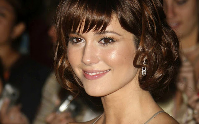 Mary Elizabeth Winstead Biography and Photos 2012