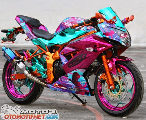 Modifikasi Ninja RR Mono Full Kroom Cantik ala Lady Bikers 2014