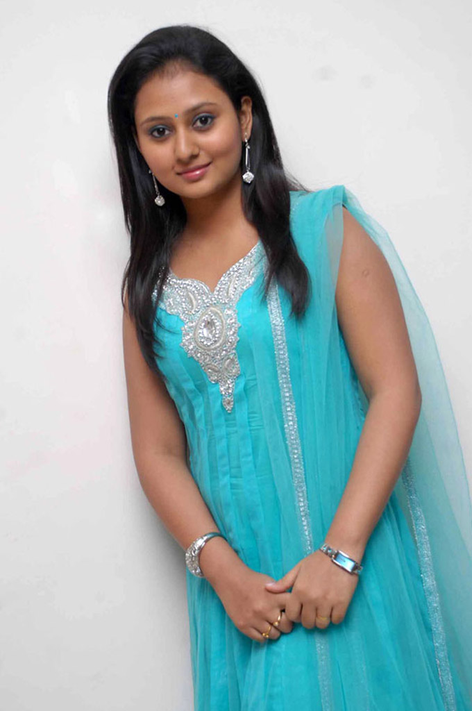 50+ Indian Beautiful Girls Wallpapers