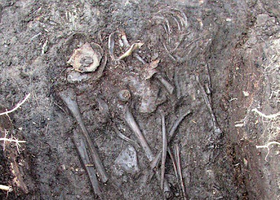 Archaeologists uncover medieval murder mystery