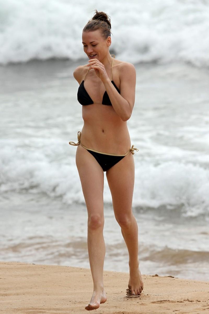 Chuck Special Hot Yvonne Strahovski In Bikini