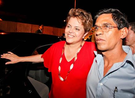 A Presidente Dilma Roussef com companheiro Wellington