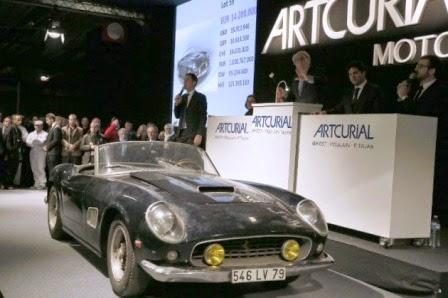 Este descapotable poco común, que el actor francés Alain Delon condujo a mediados de los años 1960, estaba valorado entre 9, 5 y 12 millones de euros, si bien el misterioso comprador deberá abonar un total de 16, 3 millones de euros, impuestos incluidos.