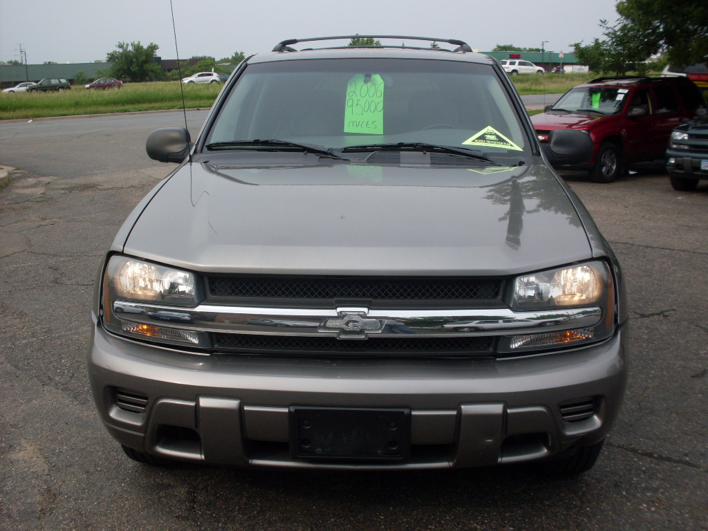 Acura Tl Sep A Cd Dvd Cassette Radio Tb as well Chevrolet Trailblazer Gris together with Buick Roadmaster Black in addition Bulletproof Suspension Shocks Copy X together with Fp Detail. on 2006 chevy suburban