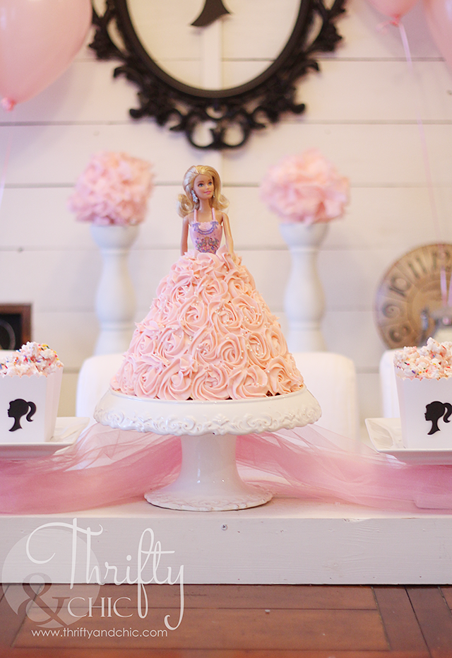 Cute Barbie birthday party ideas. Great ideas to turn your house into a real life Barbie dream house!
