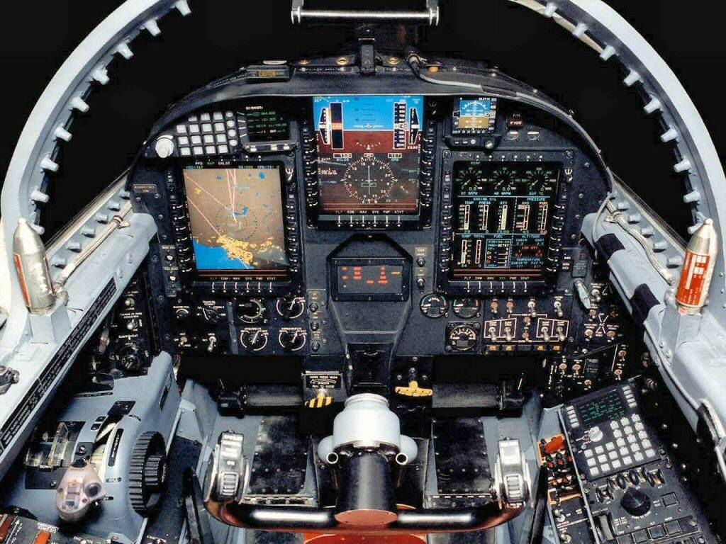 http://1.bp.blogspot.com/-8luJ0_3oqXg/TkpUB4rs5_I/AAAAAAAAK0M/3dxirKjanvE/s1600/J-10+Cockpit+%25282%2529.jpg