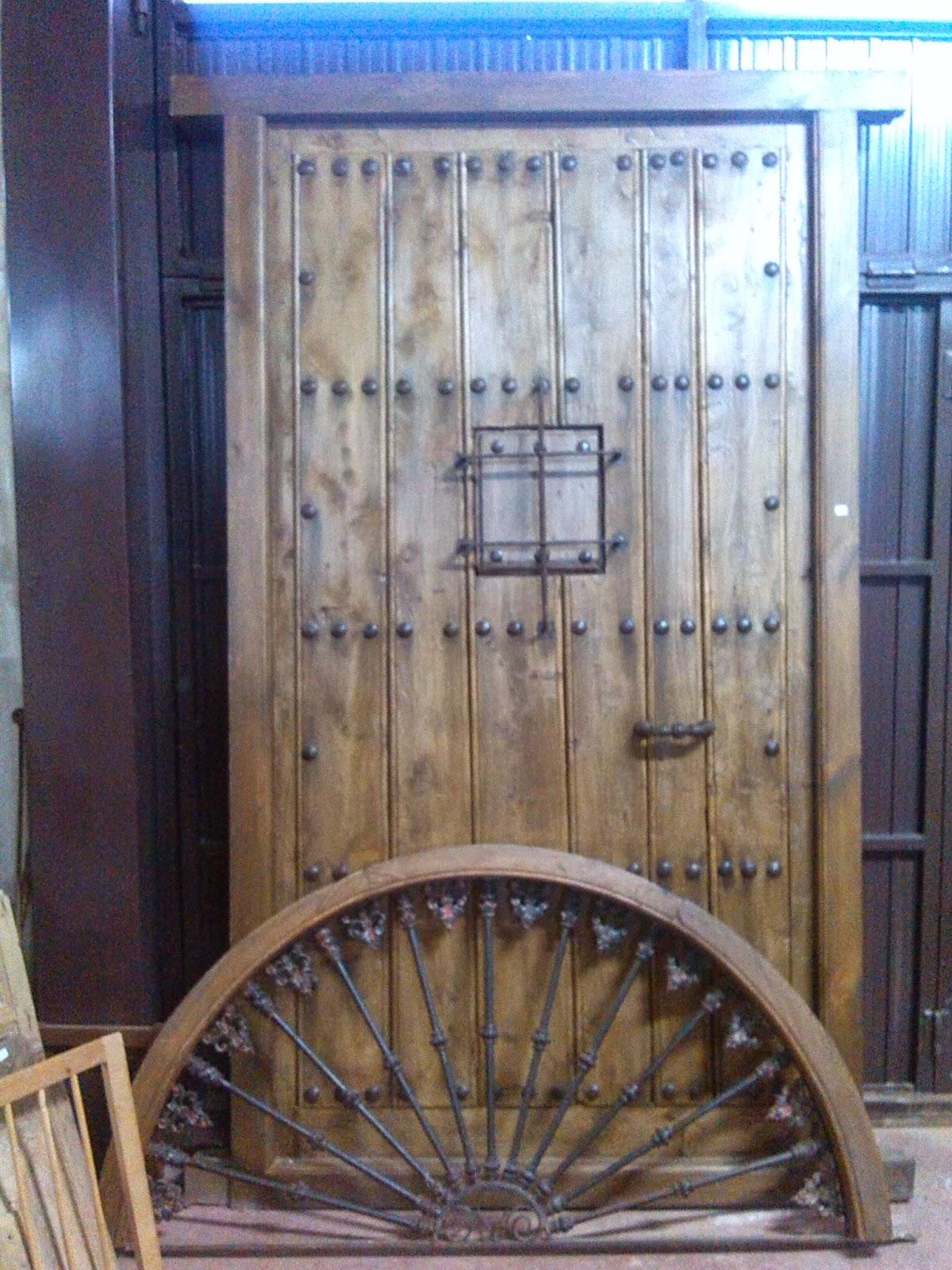 Antig edades almagro puertas ventanucos herrajes - Herrajes muebles antiguos ...