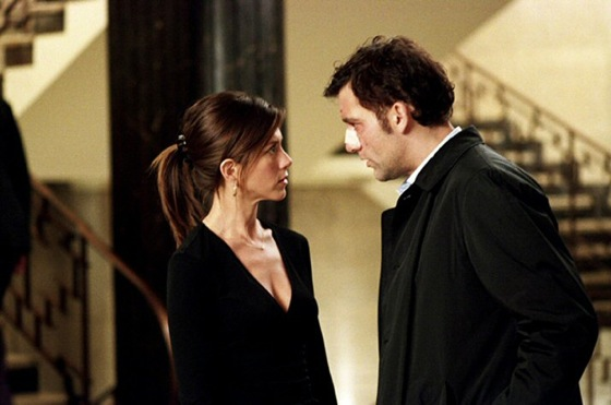 Jennifer Aniston and Clive Owen in Derailed The answer to that is the same ...