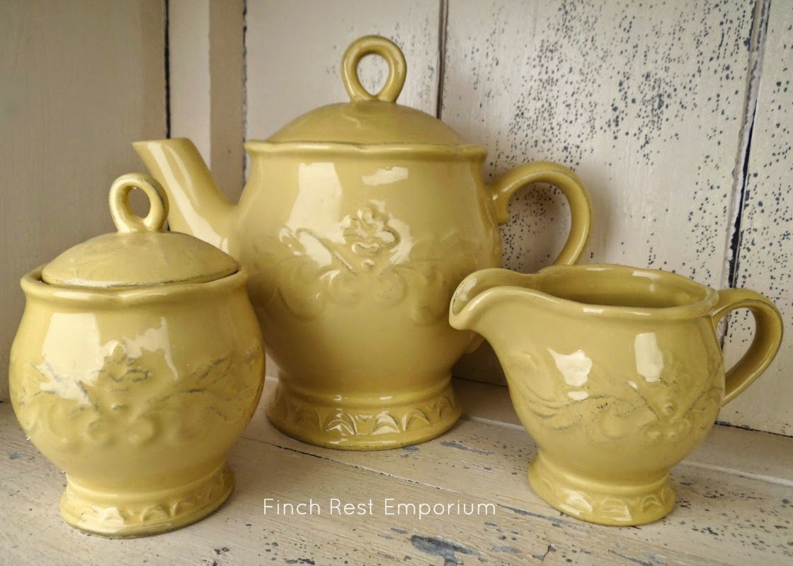 TEA SET in HARVEST MUSTARD GOLD