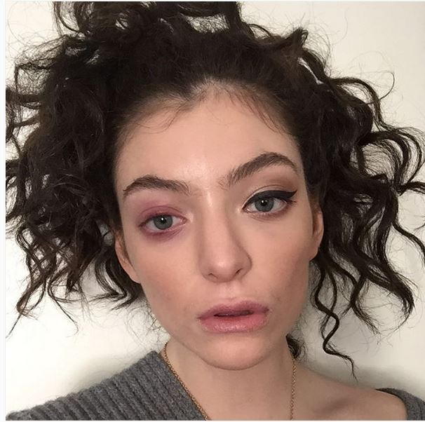 Is the pressure too much? Lorde shocks with photo: My body is falling apart.