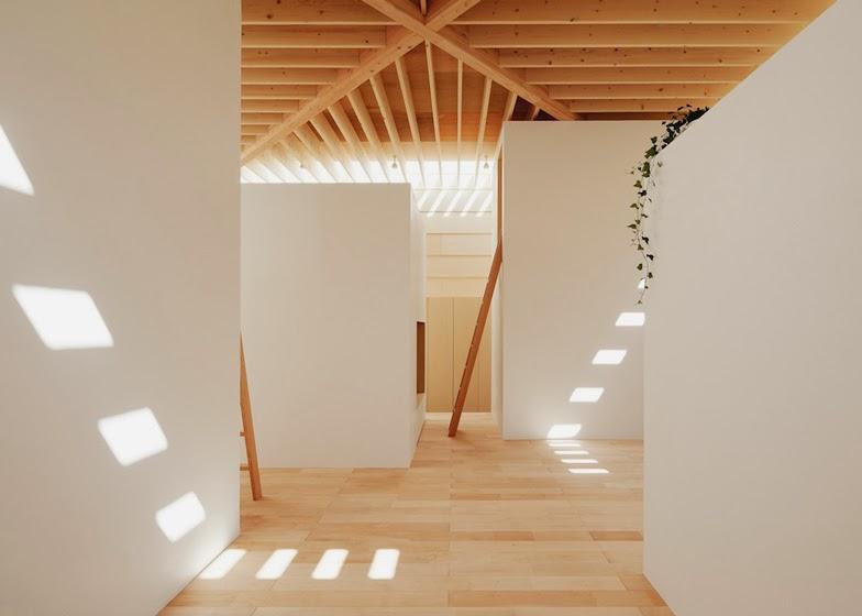 Soffitto In Legno Lamellare : Ma style architects lucernari in legno per la casa di aichi