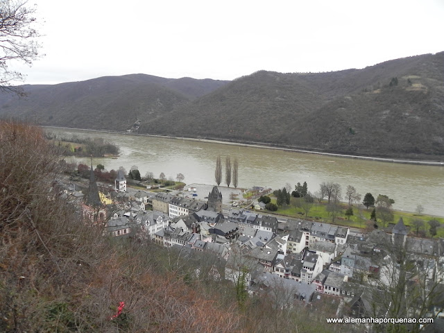 O rio Reno e a cidadezinha de Bacharach