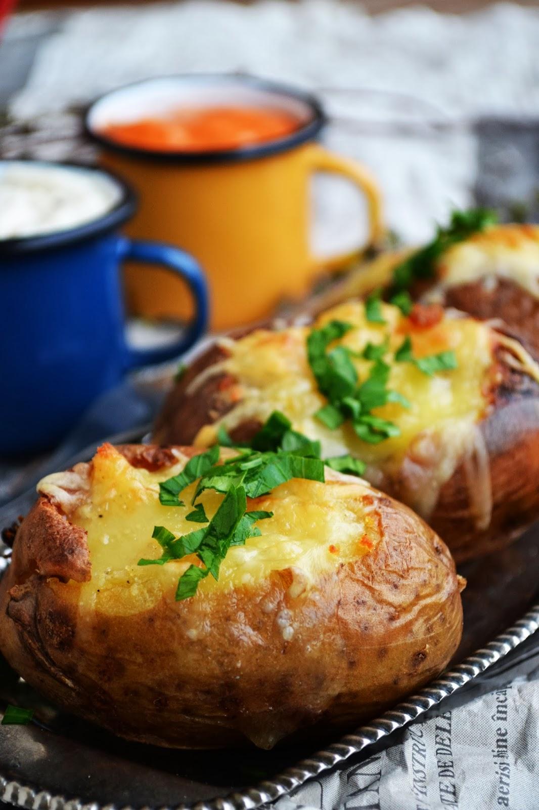 cartofi copti umpluti cu branza