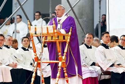 Paus Francis Akan Lelang iPad Miliknya Untuk Amal