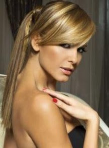 Анелия отново иска да се събере с Коко Динев, твърди България Днес.