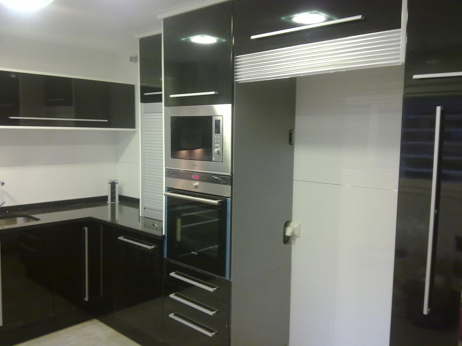 Laminado alto brillo negro encimera silestone negro - Muebles de cocina sueltos ...