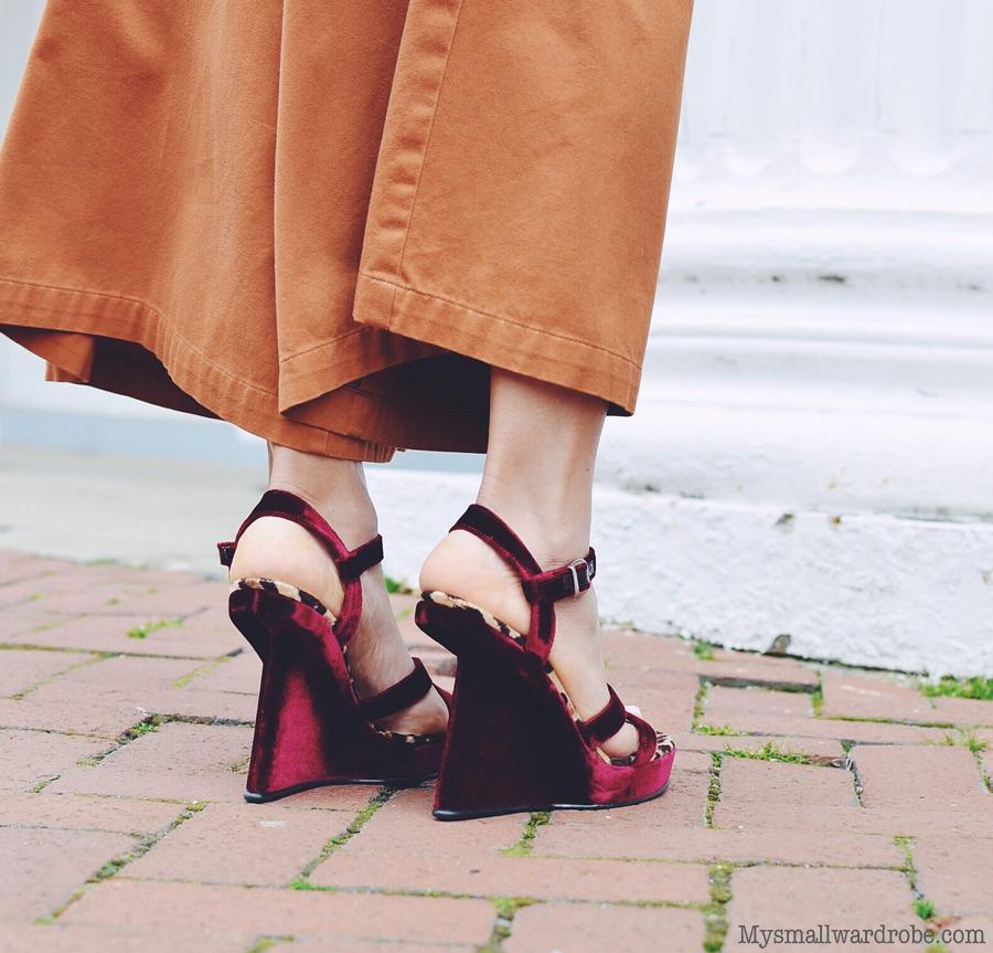 Velvet shoes street style