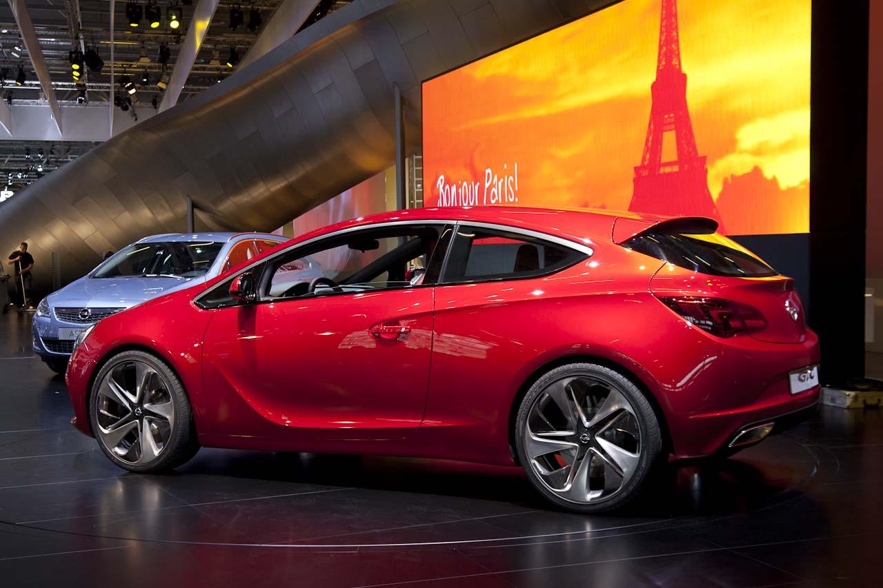 http://1.bp.blogspot.com/-8mlxIdVnWWY/TcMVDcihE-I/AAAAAAAAAEM/985DgSHkgcA/s1600/Opel_Astra_GTC_Paris_Concept-4744.jpg