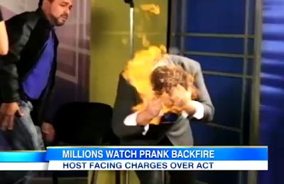 Mágico fica em chamas em programa de TV
