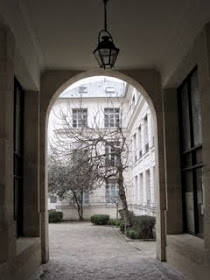 Peeking into a Paris courtyard