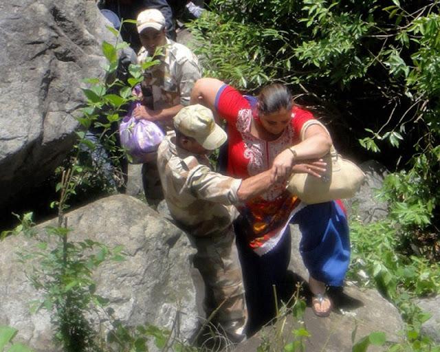 வெள்ள நிவாரணப் பணிகள்-கேதர்நாத்..படங்கள் இணைப்பு Floods.+Rescue+22.