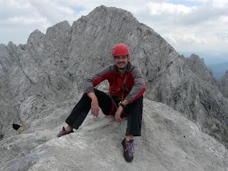 Entspannung während der kurzen Gipfelpause