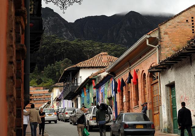 Bogota antigua y moderna for Casa moderna bogota