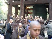まだ若い僧侶