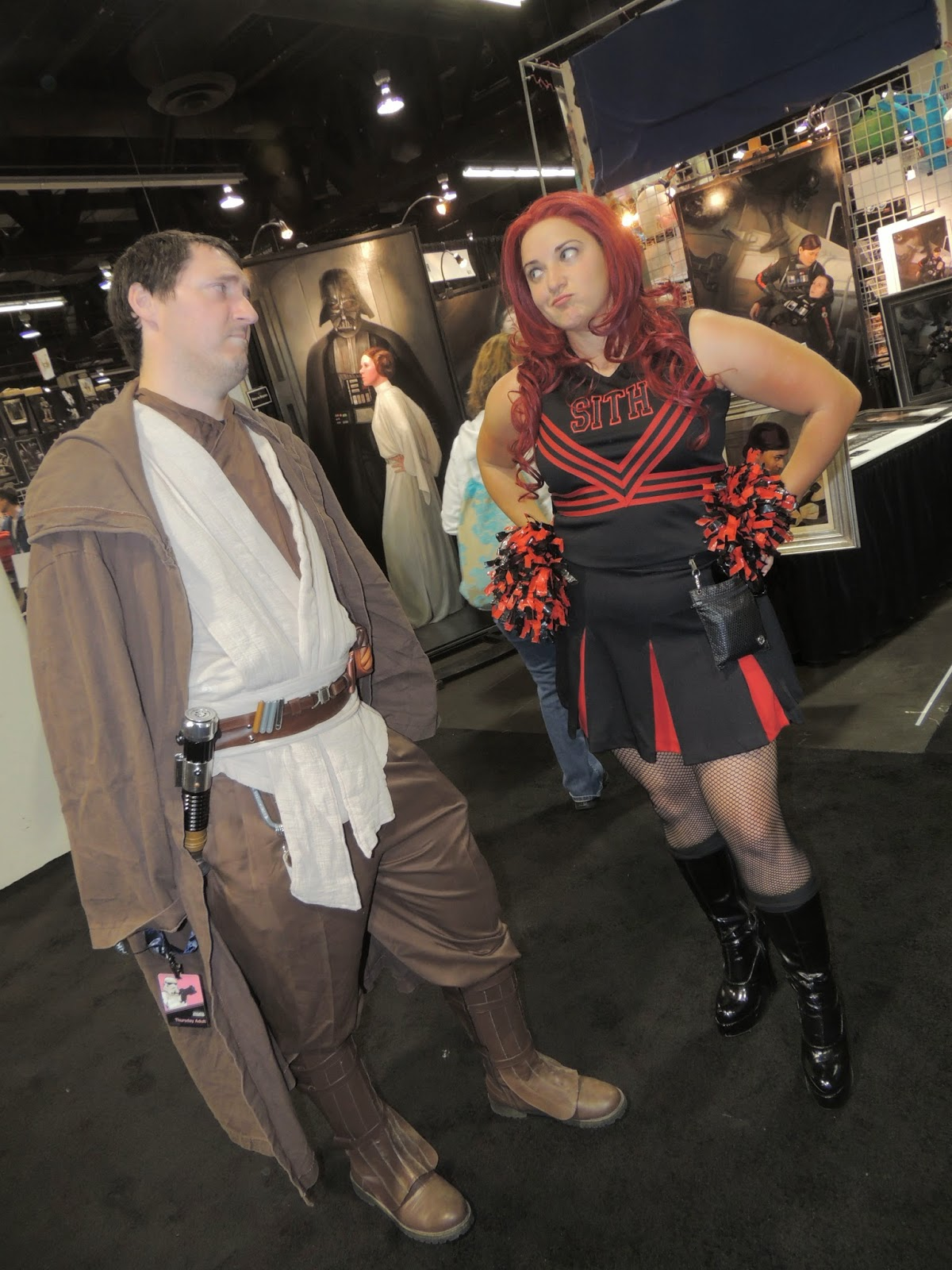jedi-sith-cheerleader-star-wars-celebration-anaheim