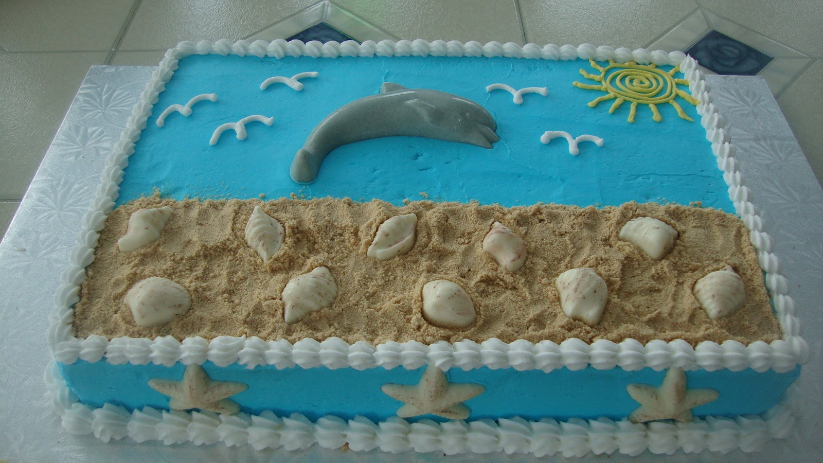 Charity's Sunshine Sweets: DOLPHIN CAKE