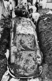 enigma-coche-enterrado
