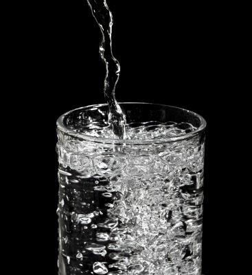فقاعات الهواء فى الماء الفوار يمكن أن تنفخ خصرك