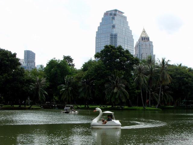 PARQUE LUMPHINI, EL CENTRAL PARK DE BANGKOK. TAILANDIA