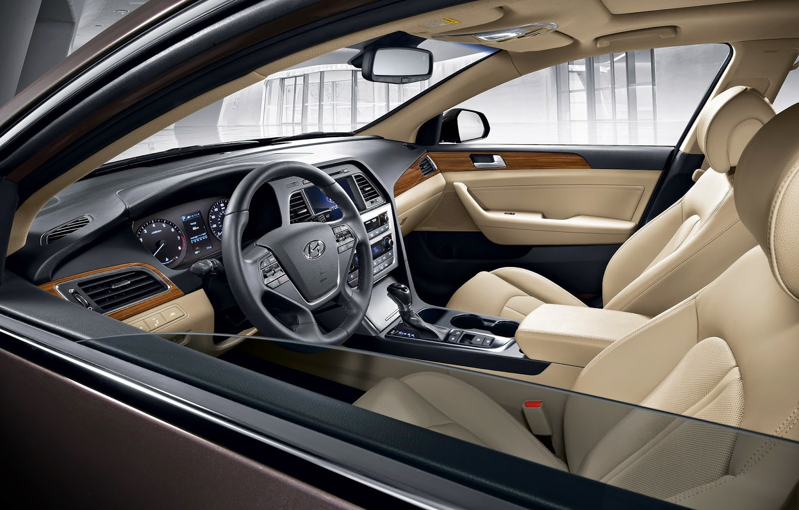 Interior view of 2015 Hyundai Sonata