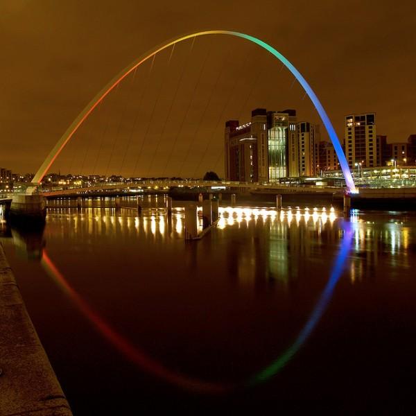 Gateshead Millennium Bridge by Jamesgalpin