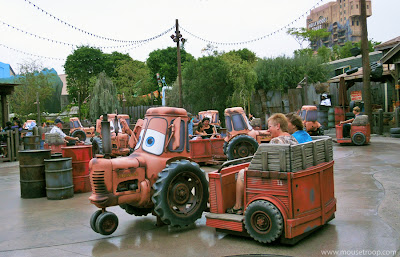 Mater's Junkyard Jamboree Cars Land Carsland Disney Adventure