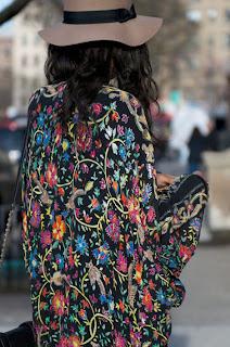 http://1.bp.blogspot.com/-8on38OUW8_4/T2tgclnvYfI/AAAAAAAACrI/MlMPSx1CuZM/s640/kimono4.jpg
