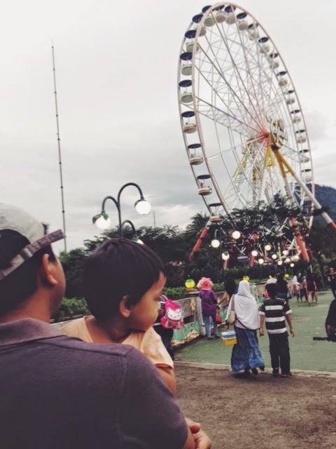Screaming Housewife: Jungleland Theme Park, Sentul City