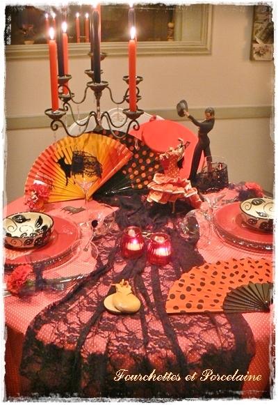 Fourchettes et porcelaine table flamenco for A table en espagnol