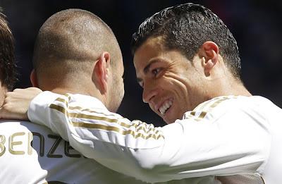 فيديو ريال مدريد يقترب من لقب الدوري الاسباني بثلاثية في اشبيلية ظƒط±ظٹ%D
