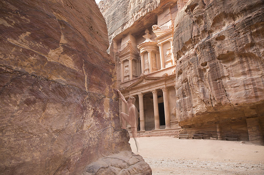 04-Petra-Jordan-Trina-Merry-Architecture-meets-Body-Painting-in-Lost-in-Wonder
