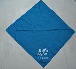 Blue is coming back, frase em manta a venda na internet fazendo alusão ao personagem Garoto Azul de Fábulas