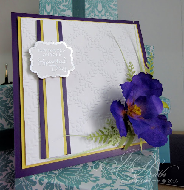 http://1.bp.blogspot.com/-8pg8Sp8zQ7Y/Vqln3kfvQPI/AAAAAAAAblE/2pVOOIhtrfI/s640/bearded-Iris-floral-craft-jak-heath1.jpg
