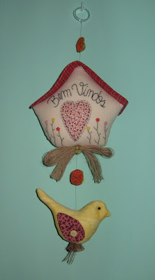 Mobile passarinho com aroma de canela