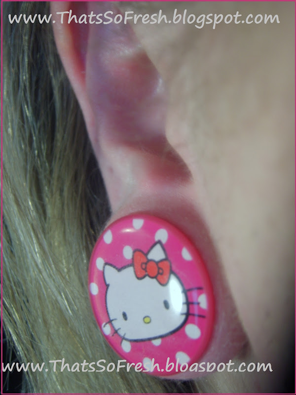Hello Kitty Nails and Earrings?! title=
