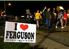 Una noche tranquila se registró en Ferguson tras protestas por muerte de joven afroamericano